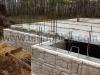 Монолитный бетонный цоколь из плит Валун