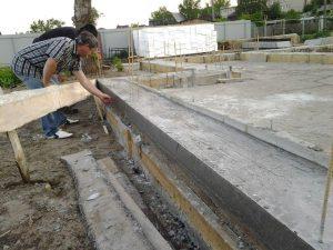 Техноблок. Снимаем опалубку фундамента.Проверка бетона